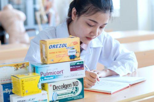 Bí kíp giúp sinh viên Cao đẳng Dược học tốt hơn