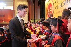 Financial Times: Nền giáo dục Việt Nam chỉ để đi thi